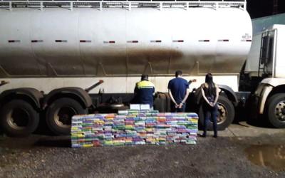 PM apreende mais de meia tonelada de cocaína em caminhão de ração animal