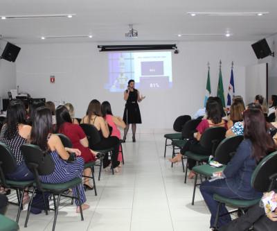 Unimed Três Lagoas comemora Dia da Secretária com palestra motivacional