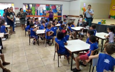 Policial Militar realiza palestra para alunos do Centro de Educação Infantil Interlagos