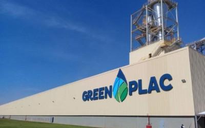 Greenplac inaugura fábrica de resina