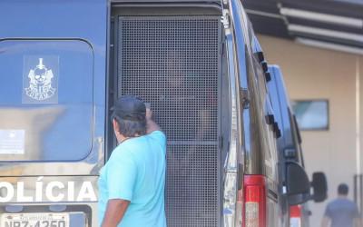 Pastor preso após torturar esposa por 7 horas é libertado, mas com tornozeleira