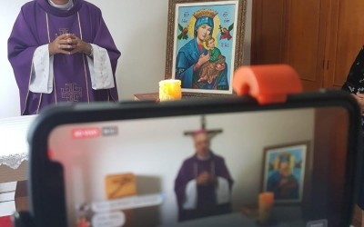Após Missas virtuais, católicos poderão comungar durante a Semana Santa