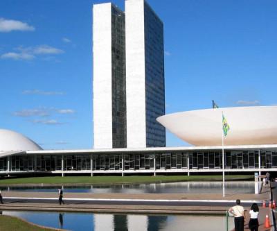 Congresso estuda eleições em 15 de novembro ou 6 de dezembro, afirma Maia