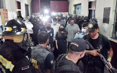 Ministra da Justiça confirma 7 mortes durante motim em presídio no Paraguai