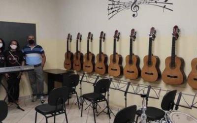 Associação recebe equipamentos por emenda de R$ 40 mil do deputado Eduardo Rocha