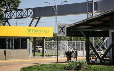 Detran-MS dispensa licitação e por R$ 10,6 milhões contrata ICE para emitir CNHs