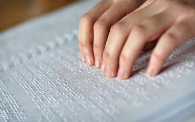 Dia do Sistema Braille – Correios oferece serviços para deficientes visuais