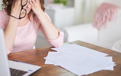 Mulher é condenada criminalmente após levar atestado falso no trabalho