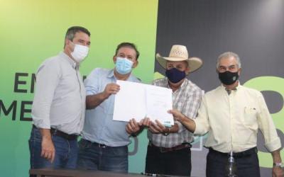 Deputado Eduardo Rocha assina liberação de emenda no valor de R$ 240 mil para Três Lagoas