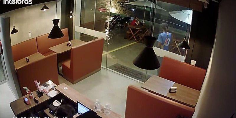 VÍDEO: Casal faz arrastão e é preso ao comemorar roubos em motel de Campo Grande