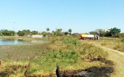 Motorista de caminhão pipa é flagrado retirando água da segunda lagoa
