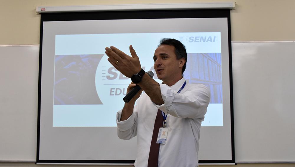 Em evento sobre refrigeração, diretor do Senai destaca demanda por bons profissionais