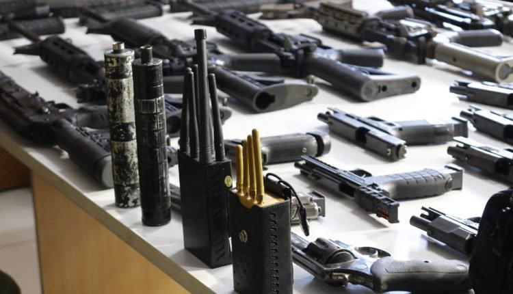 Laudos ligam arsenal com pistolagem e Gaeco denuncia três por execuções em Campo Grande