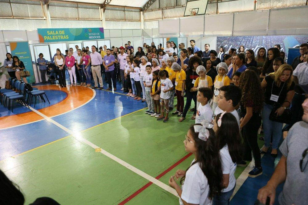 """Projeto """"Vai e Vem das Estações"""" do CEI """"Dona Clementina Carrato"""" é finalizado com apresentações culturais"""