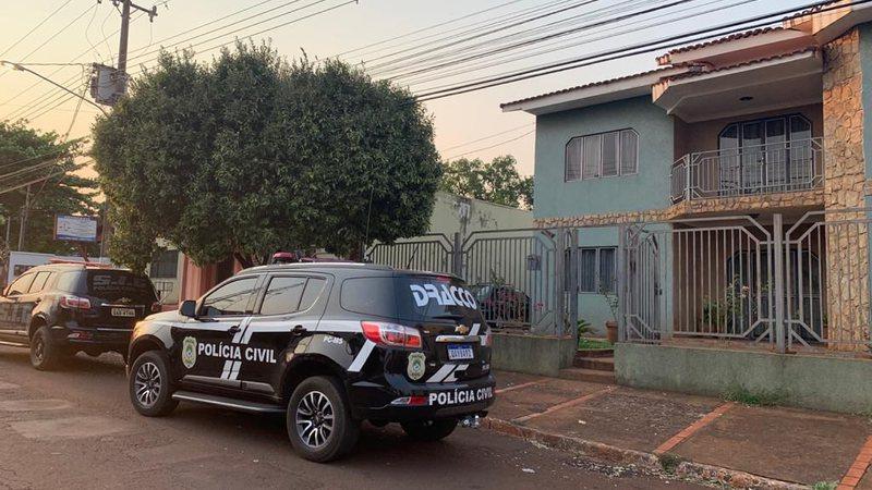 Com ex-prefeito foragido, nove veículos e dinheiro são apreendidos em Maracaju